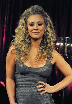 Actress/singer Kaley Cuoco hosts fuse's Top 100 Sexiest Video Countdown at fuse Studios on June 2011 in New York City. Kaley Cuoco Body, Kaley Cuocco, Good Looking Women, Foto Pose, Beautiful Celebrities, Beautiful Women, Hello Beautiful, Gal Gadot, Bigbang