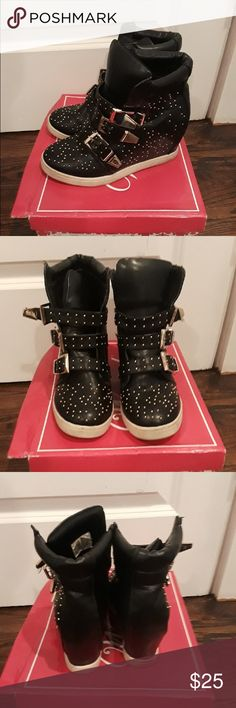 Wedge sneakers! Wanted Black wedge sneakers with gold details. No gold pieces missing and no rips. In great shape! Worn with love and preloved condition. Wanted Shoes Sneakers