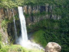 A menos de 100 km de Ponta Grossa, em Prudentópolis, as cachoeiras gigantes...