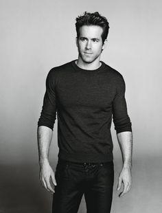 Ryan Reynolds!!!! AAAHHHH!!! So sexy...like... look at him! MMMMmmmmMMMMM <3 <3