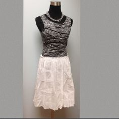 """📌SALE📌White """"Balloon"""" Velvet Brand  100% Cotton Lovely white lightweight skirt (somewhere it is warm!) with balloon hem. Elastic waist, approx 20.5"""" L. Comfy 100% cotton, gently used worn 2-3x no stains/flaws. Offers welcome, smoke free home. Velvet Skirts A-Line or Full"""