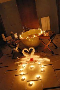 47 Surprise Decor for Valentine's Day. Romantic Room Decoration For Husband Birthday Romantic Bathrooms, Romantic Room, Romantic Night, Romantic Things, Romantic Moments, Romantic Dates, Romantic Dinners, Romantic Gifts, Romantic Ideas