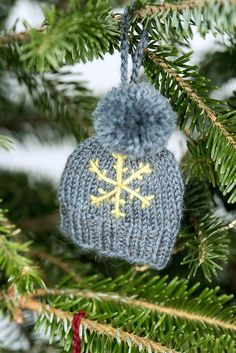 Free Pattern: Holiday Cheer Ornaments Free Knitting Pattern: Hat Ornament Always wanted to discover ways to knit, although unclear where do you start? Christmas Knitting Patterns, Knitting Patterns Free, Free Knitting, Free Pattern, Knitted Christmas Decorations, Knit Christmas Ornaments, Knitting Projects, Crochet Projects, How To Purl Knit