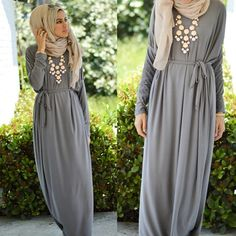 When your dress looks like an #urbanchicabaya. The style & fit takes this ordinary abaya into a trendy dress @mooncollection_