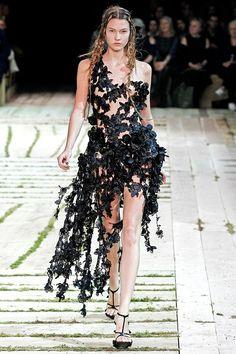 bdc471c938e Alexander McQueen Spring 2011 Ready-to-Wear Collection - Vogue High  Fashion