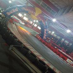 Vai segurando... #kart #kartodromo #velocidade #adrenalina #audacia #paixao #formula1 #f1 #gridi #speed #speedland #avis #cvc #parceria