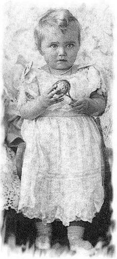 Grand Duchess Maria Nikolaevna (1899 – 1918) with her rattle. 1900. #Russian #history #Romanov