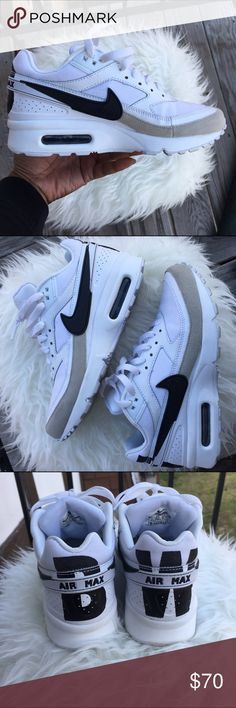🔥 Nike Air Max 90's 🔥 Nike Air Max 9️⃣0️⃣'s White Black Gray Excellent Condition 👌🏾 Smoke free home🚭 20% off of 4 or more bundled items! Nike Shoes Sneakers