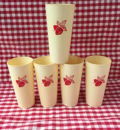 Vintage Strawberry Tumblers.  Set of 5 $12.00