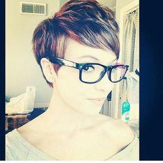 Speciaal voor de brildragers onder ons: 11 korte kapsels die fantastisch staan bij een bril! - Kapsels voor haar