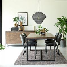 Møbelserie i brun lakeret vild eg og metal Dining Table, Studio, Furniture, Metal, Design, Home Decor, Dinning Table, Studios, Metals