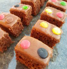 Nesquick kake – Fru Haaland Food N, Food And Drink, Nesquick, Chocolate Cake, Favorite Recipes, Sweets, Snacks, Cookies, Baking