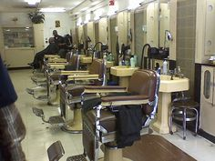 ... about Barber Shops on Pinterest Barber shop, Barbers and Shop layout