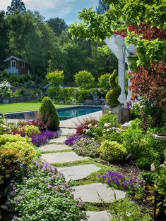 37 Flower Landscape Design Ideas to have a Colorful Garden - Backyard Landscaping Amazing Gardens, Beautiful Gardens, Path Design, Design Ideas, Diy Design, Custom Design, Path Ideas, Walkway Ideas, Entrance Ideas
