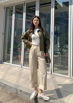 Mood Lab Wide Cotton Pintuck Pants - I know you wanna kiss me. Thank you for visiting CHUU. Korean Casual Outfits, Korean Outfit Street Styles, Casual Hijab Outfit, Retro Outfits, Mode Outfits, Cute Casual Outfits, Fashion Outfits, Summer Outfits Korean, Fashion Ideas