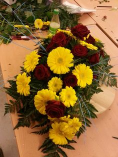 Bårebukett Floral Wreath, Wreaths, Plants, Home Decor, Floral Crown, Decoration Home, Door Wreaths, Room Decor, Deco Mesh Wreaths