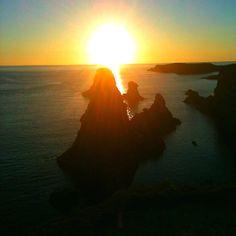Coucher de soleil aux aiguilles de Port Coton, Belle île.