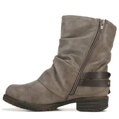Ugg Ankle Boots, Kinds Of Shoes, Metal Buckles, Womens Slippers, Character Shoes, Uggs, Footwear, Booty, Leather