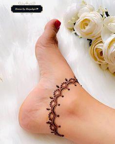 Very Simple Mehndi Designs, Leg Henna Designs, Mehndi Designs Front Hand, Pretty Henna Designs, Mehndi Designs For Kids, Latest Henna Designs, Henna Tattoo Designs Simple, Finger Henna Designs, Legs Mehndi Design