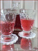 ♥ VIŠŇOVÝ SIRUP ♥ Punch Bowls, Alcoholic Drinks, Glass, Food, Lemon, Syrup, Meal, Drinkware, Essen