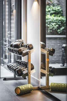 Newly built home designed by the architects and stylists of Kabaz. Home Gym Basement, Home Gym Garage, Gym Room At Home, Home Gym Decor, Theme Sport, Gym Facilities, Personal Gym, Hotel Gym, Gym Interior