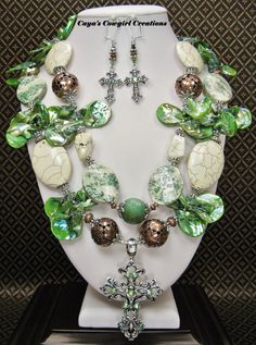CHUNKY WESTERN COWGIRL Necklace Set / Green Statement Bold Cross Pendant Jewelry - JuNiPeR TRaiLs