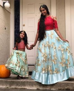 Mom Daughter Matching Dresses, Mom And Baby Dresses, Baby Girl Dress Patterns, Girls Dresses, Indian Wedding Guest Dress, Dress Indian Style, Mother Daughter Fashion, Frocks For Girls, Chevron