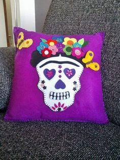 Día de la almohadilla del cráneo muerto, almohada de corona de flores de Catrina Frida Kahlo cráneo, decorativo de la almohadilla, Dia de muertos almohada, almohada de calavera de azúcar