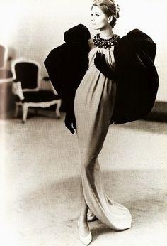 Balenciaga,1961.  Photo: Tom Kublin.