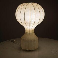 Achille and Giacomo Castiglioni; Metal Wire and Resin  'Gatto Piccolo' Table Lamp for Flos, 1962.