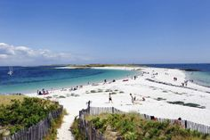 Plage of the Island : Saint-Nicolas, one of the most beautiful beach of Brittany, white sand, a lot of place. Reminds of the Carribean beaches Yogyakarta, Europa Tour, Ville France, Holiday Places, Alberta Canada, Beach Pictures, France Travel, Beautiful Beaches, Beautiful Landscapes