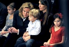 Ann Romney with her family in Rochester, New Hampshire, on Jan. 8, 2012.