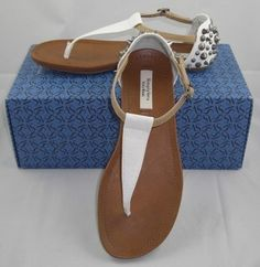 SIMPLY VERA WANG SPIKE STUDDED THONG SANDALS WHITE SIZE 6 MED NEW  http://www.ebay.com/itm/SIMPLY-VERA-WANG-SPIKE-STUDDED-THONG-SANDALS-WHITE-SIZE-6-MED-NEW-ORIG-59-99-/150912686557?pt=US_Women_s_Shoes=item232318d9dd