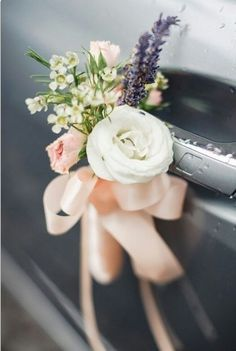 Trendy Wedding Car Decoration With Flowers