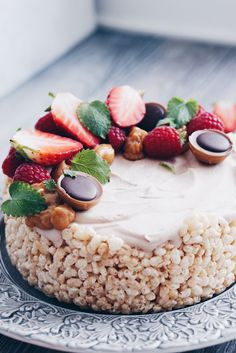 Rice Cake Recipes, Rice Cakes, Food Cakes, Dessert Recipes, Boston Cream Pie, Rice Krispies, Piece Of Cakes, Sweet And Salty, I Love Food