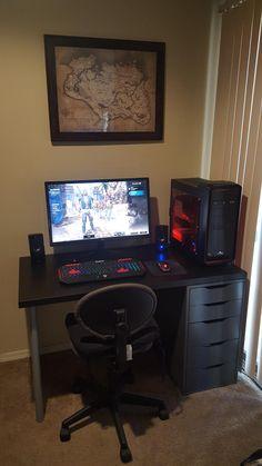 Computer Gaming Room, Computer Desk Setup, Gaming Room Setup, Pc Setup, Small Game Rooms, Simple Computer Desk, Home Music, Bedroom Setup, Bar Design