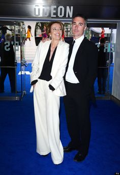 Emma Thompson with husband actor Greg Wise. They met and began dating while filming Sense and Sensibility in 1995 ♦๏~✿✿✿~☼๏♥๏花✨✿写❁~⊱✿ღ~❥ TU Jul ~♥⛩☮️