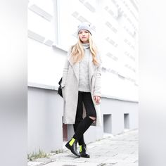 Stunning look with our #chelseaboots by #franziskaelea. #serfan
