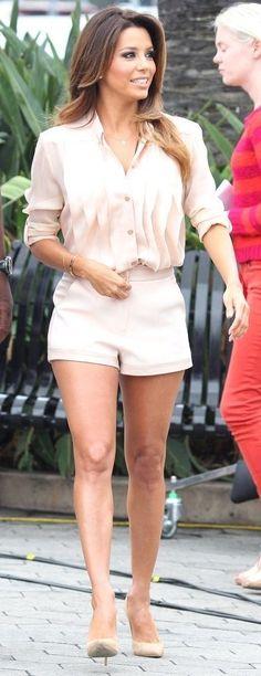 Eva Longoria Films 'Extra' in Kymerah & Jimmy Choo. #bestdressed