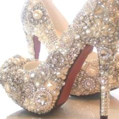 Diy shoes -THESE ARE THEM! SO DIYing these