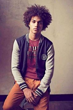 Natural Hair Men Pictures - Big Afro Hairstyles and Long Curly Styles Black Men Haircuts, Black Men Hairstyles, Cool Haircuts, Natural Hair Men, Pelo Natural, Natural Hair Styles, Mens Hairstyles 2014, Afro Hairstyles, American Hairstyles