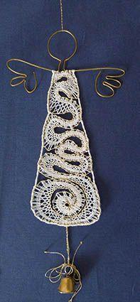 nové soutěže Needle Lace, Bobbin Lace, Lace Heart, Lace Jewelry, Lace Making, Lace Detail, Fiber Art, Crochet Earrings, Artsy