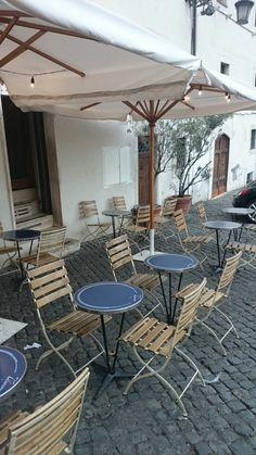 Desde Roma con amore. Nos seguimos encontrando con conjuntos de terraza como el que restauró nuestra bloguera colaboradora @kelevoyahacer
