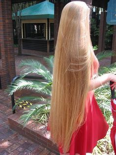 Rapunzel hair It's amazing❤ Beautiful Long Hair, Gorgeous Hair, Really Long Hair, Silky Hair, Layered Hair, Hair Lengths, Her Hair, Girl Hairstyles, Blonde Hair
