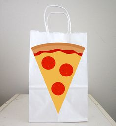 This listing is for (1) Pizza goody bag/favor bag/gift bag. These cute pizza bags would be a great addition to your pizza party, etc,,, You can use the bags as favor bags, goody bags or small gift bags. Purchase Includes: - (ONE) Favor/Goody/Gift Bags (Bag is white with handles and is approx. 8.5 tall and 5.5 wide) Cut out on bag is made out of laser print out, premium cardstock paper and are on one side of bag. Also, for coordinating pieces such as matching banners, cen...