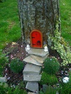 A gnome or fairy home. Cute garden idea!