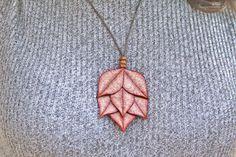 Mira este artículo en mi tienda de Etsy: https://www.etsy.com/listing/248471032/red-leaf-necklace-ref-4