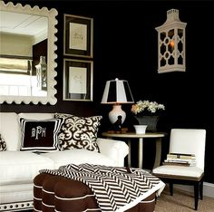 Black & White / Ecru Room with Chocolate accents
