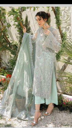 Fancy Dress Design, Stylish Blouse Design, Pakistani Bridal Dresses, Pakistani Dress Design, Fancy Wedding Dresses, Stylish Dresses For Girls, Indian Fashion Dresses, Thing 1, Embroidery Fashion