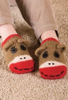 How cute are these! Sock Monkeys...my favorites!!